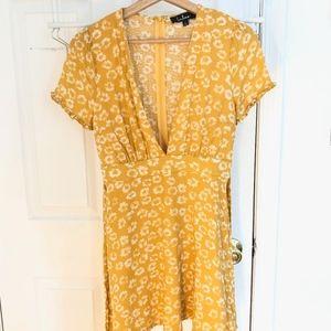 Lulu's yellow flower dress